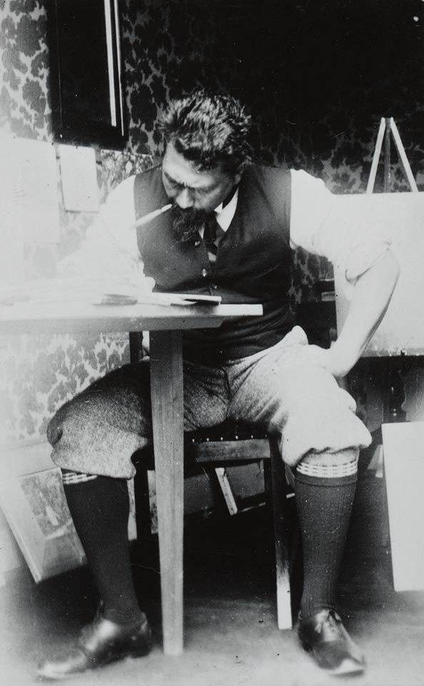 Jan Toorop in Domburg ca. 1908.   Photo Royal Library The Hague